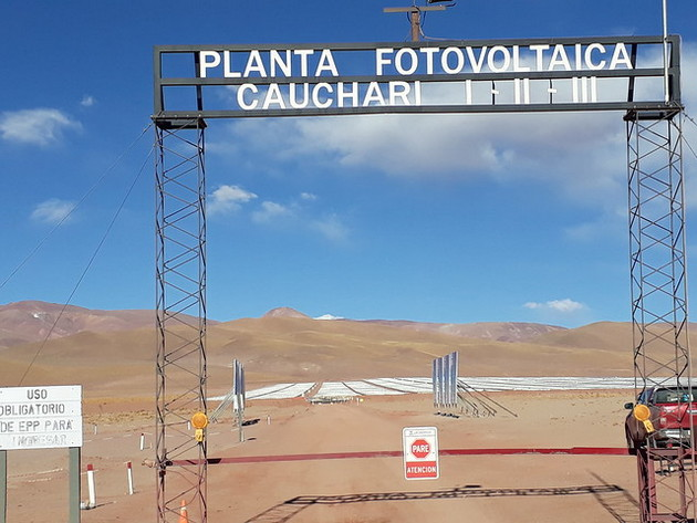 The entrance to Cauchari Solar Park is reached by a desolate dirt road about 40 kilometres long that connects to paved highway 52, which in the northern province of Jujuy leads to the Chilean border. Technically there are three solar parks, to get around the 100 MW limit set by the tender. CREDIT: Daniel Gutman/IPS