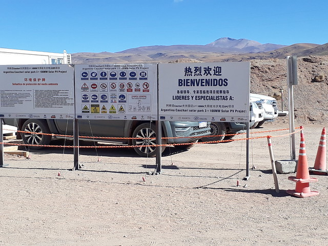 Signs in Spanish and Chinese are an unexpected sight in the middle of the untamed landscape of Argentina's Puna high mountain plateau and are a reflection of China's heavy involvement in the development of solar power in Latin America. CREDIT: Daniel Gutman/IPS