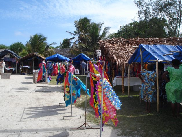 CE Wilson Image 6 Tourist Market Port Vila Vanuatu 090614 629x472 - Pacific Islanders Turn to Local Economies to Drive Post-pandemic Recovery