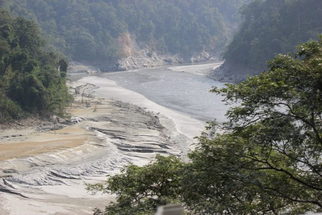 "Studies show that glaciers in India are permanently losing ice, not only owing to higher temperatures from global warming but also in response to ""deprived precipitation conditions"" High siltation as the Teesta, a Himalayan glacier-sourced river which rises from the Eastern Himalayas, is dammed at the Teesta barrage at Siliguri, West Bengal. Credit: Manipadma Jena/IPS"