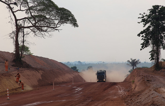 A view of the Brazilian BR-163 highway before its final northern section was paved in 2020. It is mainly used to export soy from the state of Mato Grosso. Now the plan is to build a railway next to it in order to make grain transport cheaper. CREDIT: Fabiana Frayssinet/IPS