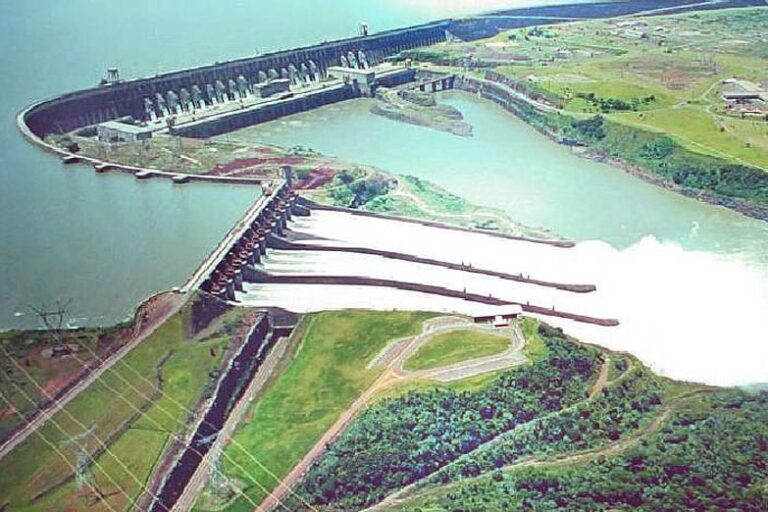 The projection of one of the two hydroelectric power plants financed by Chinese institutions in southern Patagonia, Argentina, whose construction generated tensions between Bejing and Buenos Aires due to intervention by the South American country's justice system to verify compliance with socio-environmental requirements, which suspended the mega-projects for two years. CREDIT: Government of Argentina